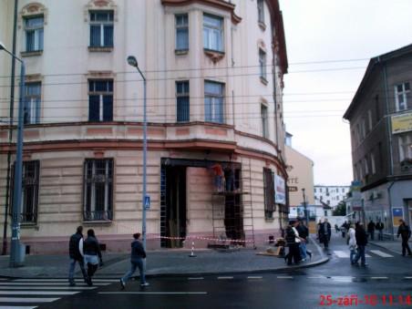 dům bývalé České obchodní společnosti od architekta pražského Obecního domu Osvalda Polívky ohrožen - Foto: Milan Plachký 09/2010