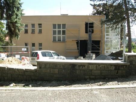 průběh přestavby - zadní fasáda - červen 2010