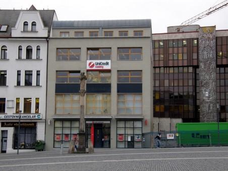 první dům v bloku 003 - HVB Bank, později UniCredit Bank - Jan Jehlík Architektonická Kancelář (Ing. arch. Jan Jehlík, Pavel Černohouz)