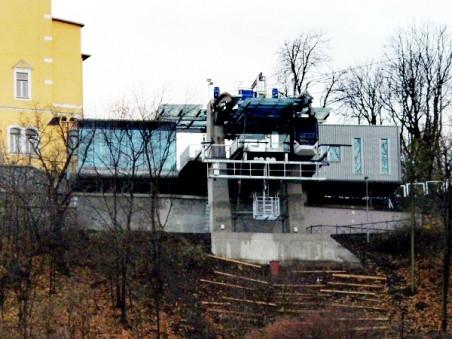 horní stanice lanovky po dostavbě - Atelier Chlup (Ing. arch. Jan Chlup, Petr Goleš, Lukáš Urban) - Foto: Matěj Páral 11/2010