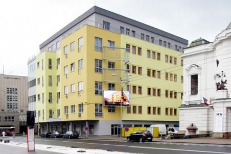 Polyfunkční dům u divadla (Petr Novotný, Eva Vidláková, Real Garant)