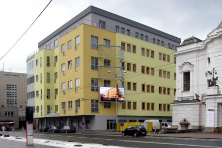 Real Garant projektový atelier (Ing. Novotný, Vidláková) - dům vedle divadla - http://www.realgarant.biz