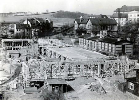 výstavba pavilonu A, pohled do konstrukce - přízemí železobetonového trojtraktu; foto: 04/1931, zdroj: Muzeum města Ústí n. L.