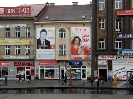 na místě dvou původních balkónů vznikl arkýř připomínající prevét - foto: Matěj Páral 09/2012
